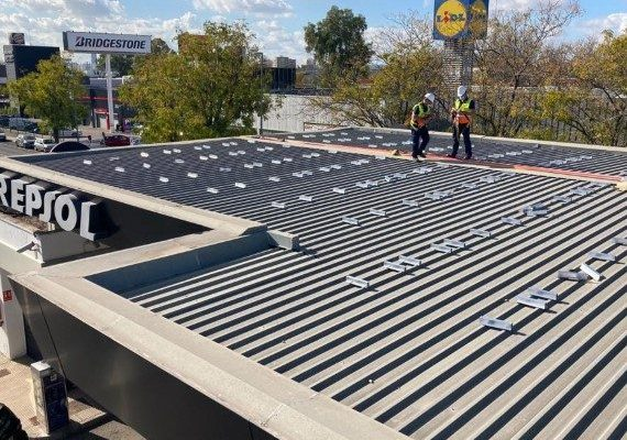 estacion-servicio-fotovoltaica-sevilla-570x499