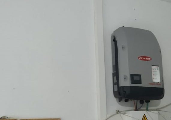 instalacion-fotovoltaica-dos-hermanas-4-570x570